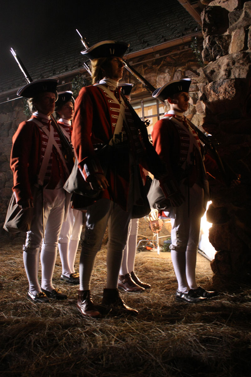 redcoats at the door of the inn